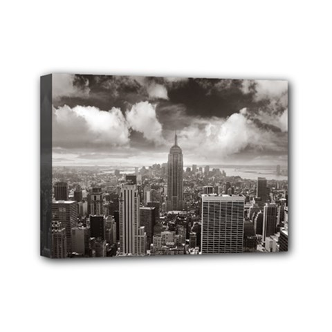 New York, Usa 5  X 7  Framed Canvas Print by artposters