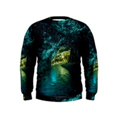 Waitomo Glowworm Boys  Sweatshirts by trendistuff