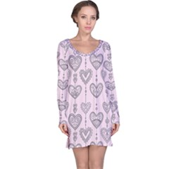 Sketches Ornamental Hearts Pattern Long Sleeve Nightdress