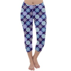 Snowflakes Pattern Capri Winter Leggings