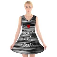 I love black and white 2 V-Neck Sleeveless Skater Dress