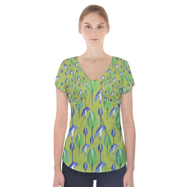 Tropical Floral Pattern Short Sleeve Front Detail Top