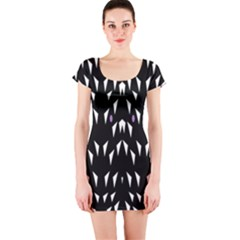 Win 20161004 23 30 49 Proyiyuikdgdgscnhggpikhhmmgbfbkkppkhoujlll Short Sleeve Bodycon Dress