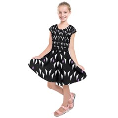 Win 20161004 23 30 49 Proyiyuikdgdgscnhggpikhhmmgbfbkkppkhoujlll Kids  Short Sleeve Dress