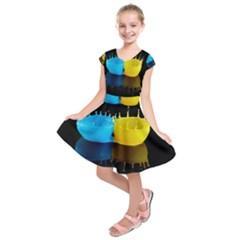 Bicolor Paintink Drop Splash Reflection Blue Yellow Black Kids  Short Sleeve Dress