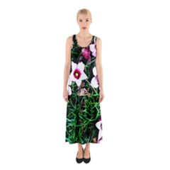 Pink Flowers Over A Green Grass Sleeveless Maxi Dress