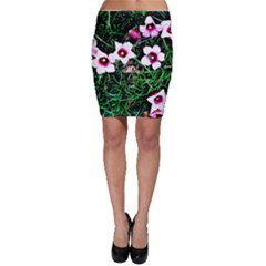Pink Flowers Over A Green Grass Bodycon Skirt