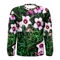 Pink Flowers Over A Green Grass Men s Long Sleeve Tee