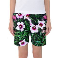 Pink Flowers Over A Green Grass Women s Basketball Shorts
