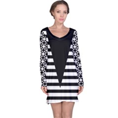 Black & White Stripes Big Triangle Long Sleeve Nightdress