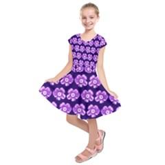 Purple Flower Pattern On Blue Kids  Short Sleeve Dress