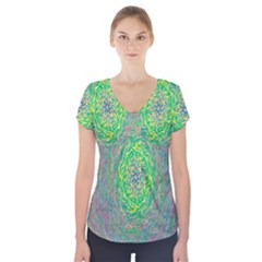 Abstraction Illusion Rotation Green Gray Short Sleeve Front Detail Top