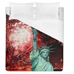 The Statue Of Liberty And 4th Of July Celebration Fireworks Duvet Cover (queen Size) by Onesevenart