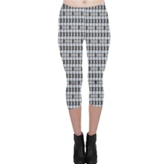 Pattern Grid Squares Texture Capri Leggings