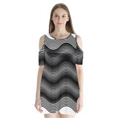 Two Layers Consisting Of Curves With Identical Inclination Patterns Shoulder Cutout Velvet  One Piece