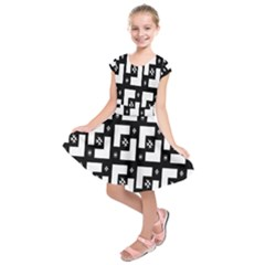 Abstract Pattern Background  Wallpaper In Black And White Shapes, Lines And Swirls Kids  Short Sleeve Dress
