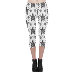 Black Sea Turtles Pattern Capri Leggings by CoolDesigns