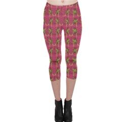 Purple Pattern With Macaw Parrots Hand Drawn Capri Leggings