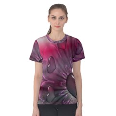 Love Hearth Background Wallpaper Women s Cotton Tee