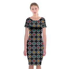 White Daisies Pattern Classic Short Sleeve Midi Dress by linceazul