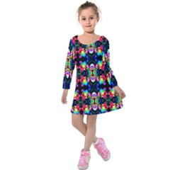 Colorful Bright Seamless Flower Pattern Kids  Long Sleeve Velvet Dress