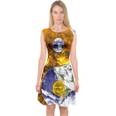 Design Yin Yang Balance Sun Earth Capsleeve Midi Dress