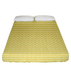 Pattern Yellow Heart Heart Pattern Fitted Sheet (Queen Size)
