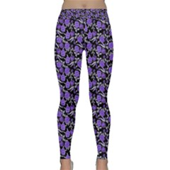 Roses Pattern Classic Yoga Leggings