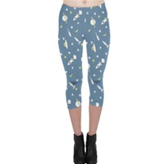 Space Rockets Pattern Capri Leggings