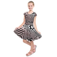 Abstract Fauna Pattern When Zebra And Giraffe Melt Together Kids  Short Sleeve Dress