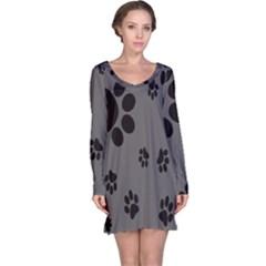 Dog Foodprint Paw Prints Seamless Background And Pattern Long Sleeve Nightdress