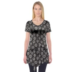 Skull Halloween Background Texture Short Sleeve Tunic