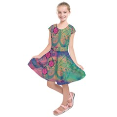 Background Colorful Bugs Kids  Short Sleeve Dress