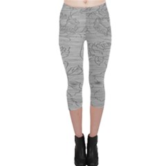 Embossed Rose Pattern Capri Leggings