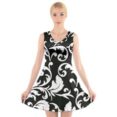 Vector Classicaltr Aditional Black And White Floral Patterns V Neck Sleeveless Skater Dress