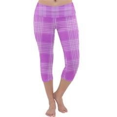 Seamless Tartan Pattern Capri Yoga Leggings