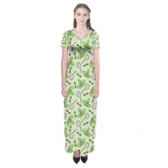 Bees And Green Clover Short Sleeve Maxi Dress