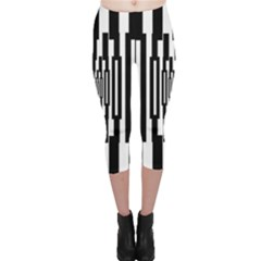 Black Stripes Endless Window Capri Leggings
