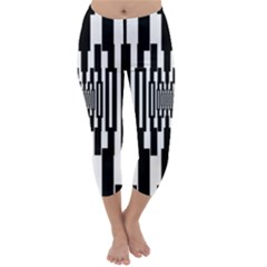 Black Stripes Endless Window Capri Winter Leggings