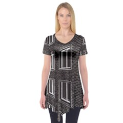 Graphics House Brick Brick Wall Short Sleeve Tunic