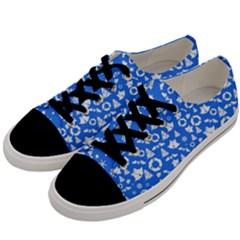 Xmas Pattern Men s Low Top Canvas Sneakers by Valentinaart