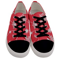 Winter Pattern 9 Men s Low Top Canvas Sneakers