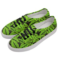 Nature Print Pattern Women s Classic Low Top Sneakers by dflcprints