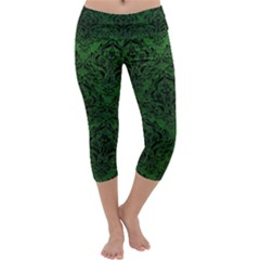 Damask1 Black Marble & Green Leather (r) Capri Yoga Leggings