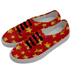 Yellow Stars Red Background Pattern Men s Classic Low Top Sneakers by Onesevenart