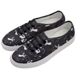Christmas pattern Women s Classic Low Top Sneakers