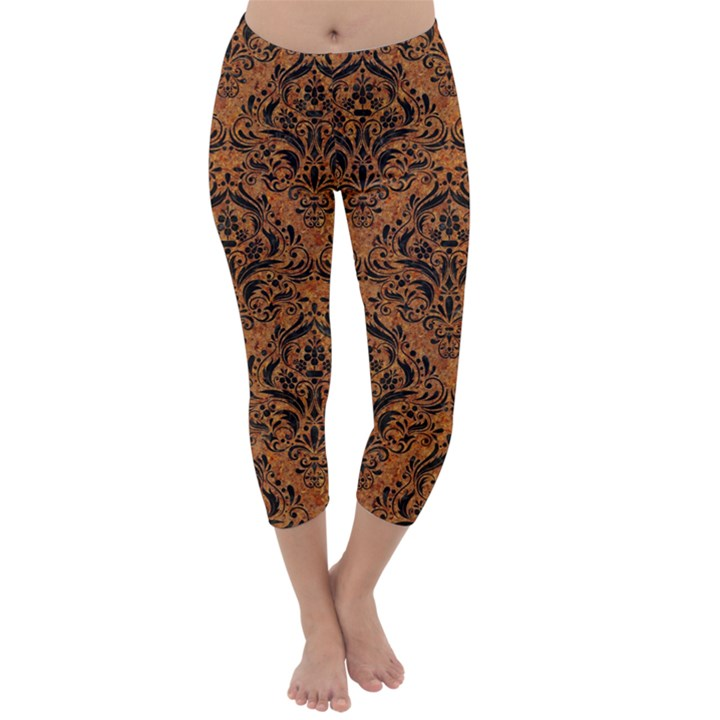 DAMASK1 BLACK MARBLE & RUSTED METAL Capri Winter Leggings
