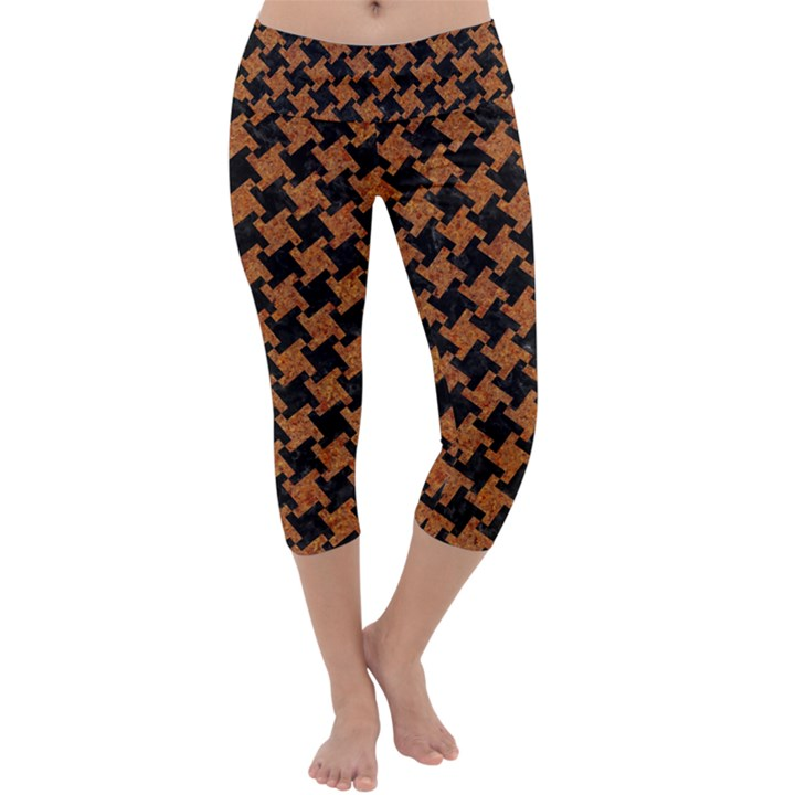 HOUNDSTOOTH2 BLACK MARBLE & RUSTED METAL Capri Yoga Leggings
