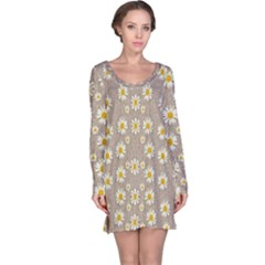 Star Fall Of Fantasy Flowers On Pearl Lace Long Sleeve Nightdress