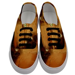 The Funny, Speed Giraffe Men s Classic Low Top Sneakers